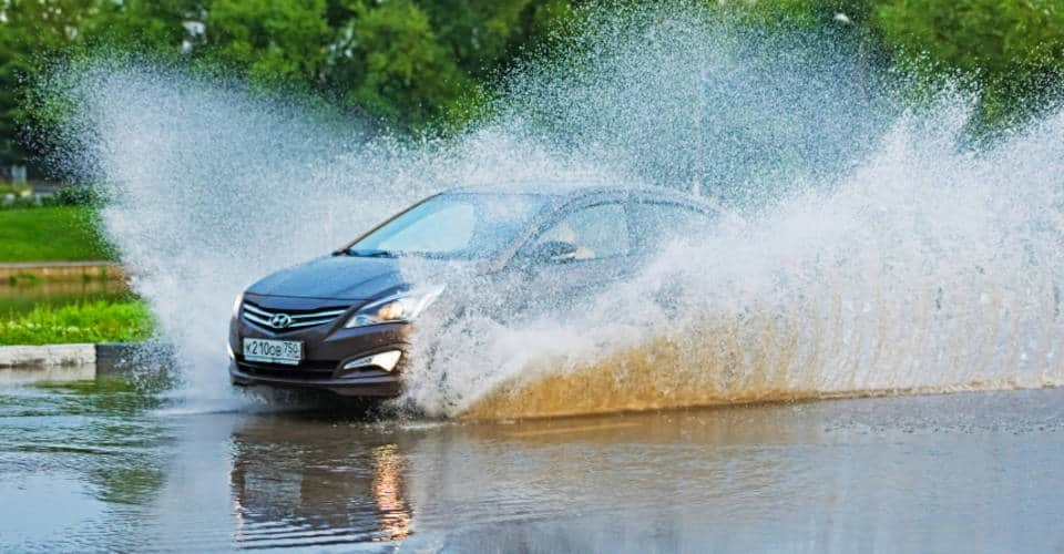 driving in splashing water